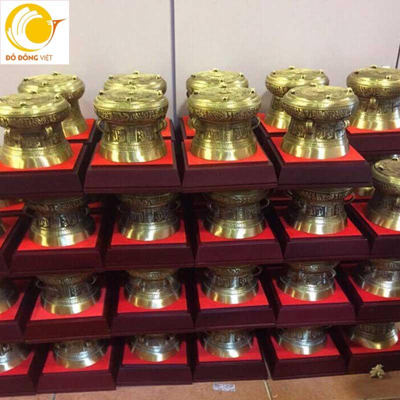 Nhiều mẫu trống đồng quà tặng đường kính khác nhau