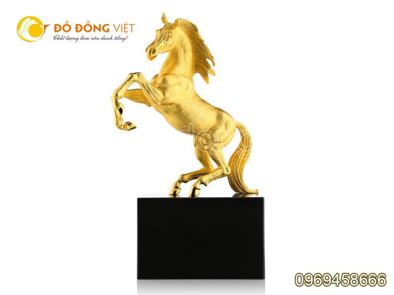 tượng ngựa bằng đồng phong thủy